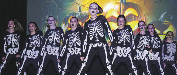 Eine fantastische Tanzreise durch das Einsiedler Kalenderjahr